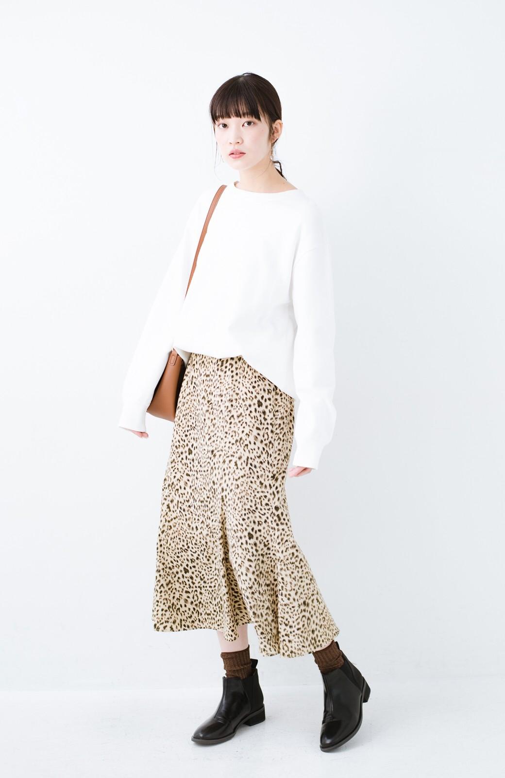 haco! スウェットやスニーカーを合わせても女っぽくいられるサテンマーメイドスカート by que made me <レオパード>の商品写真2