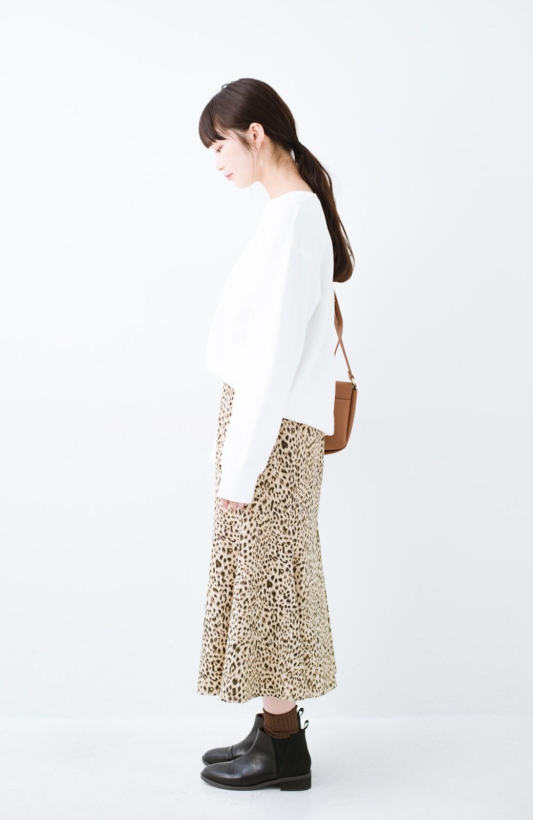 haco! スウェットやスニーカーを合わせても女っぽくいられるサテンマーメイドスカート by que made me <レオパード>の商品写真16