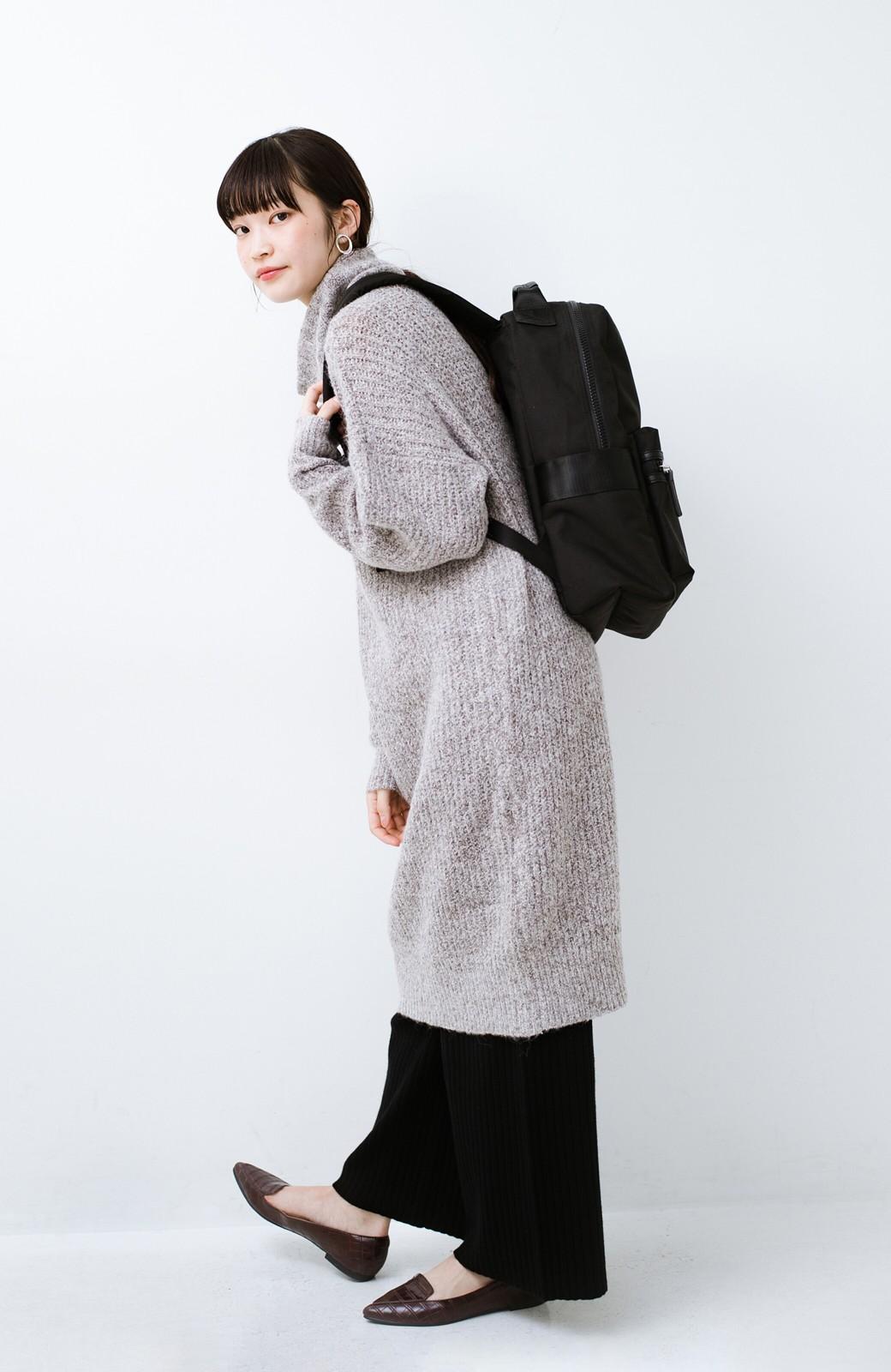 haco! 女の子っぽい服に合わせて甘辛コーデが決まる! メンズライクな安心容量リュック <ブラック>の商品写真9
