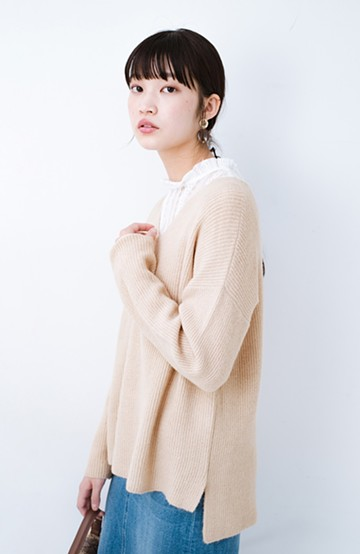 haco!  パッと着てさりげなく女っぽい 便利なシンプルVネックニット <ライトベージュ>の商品写真