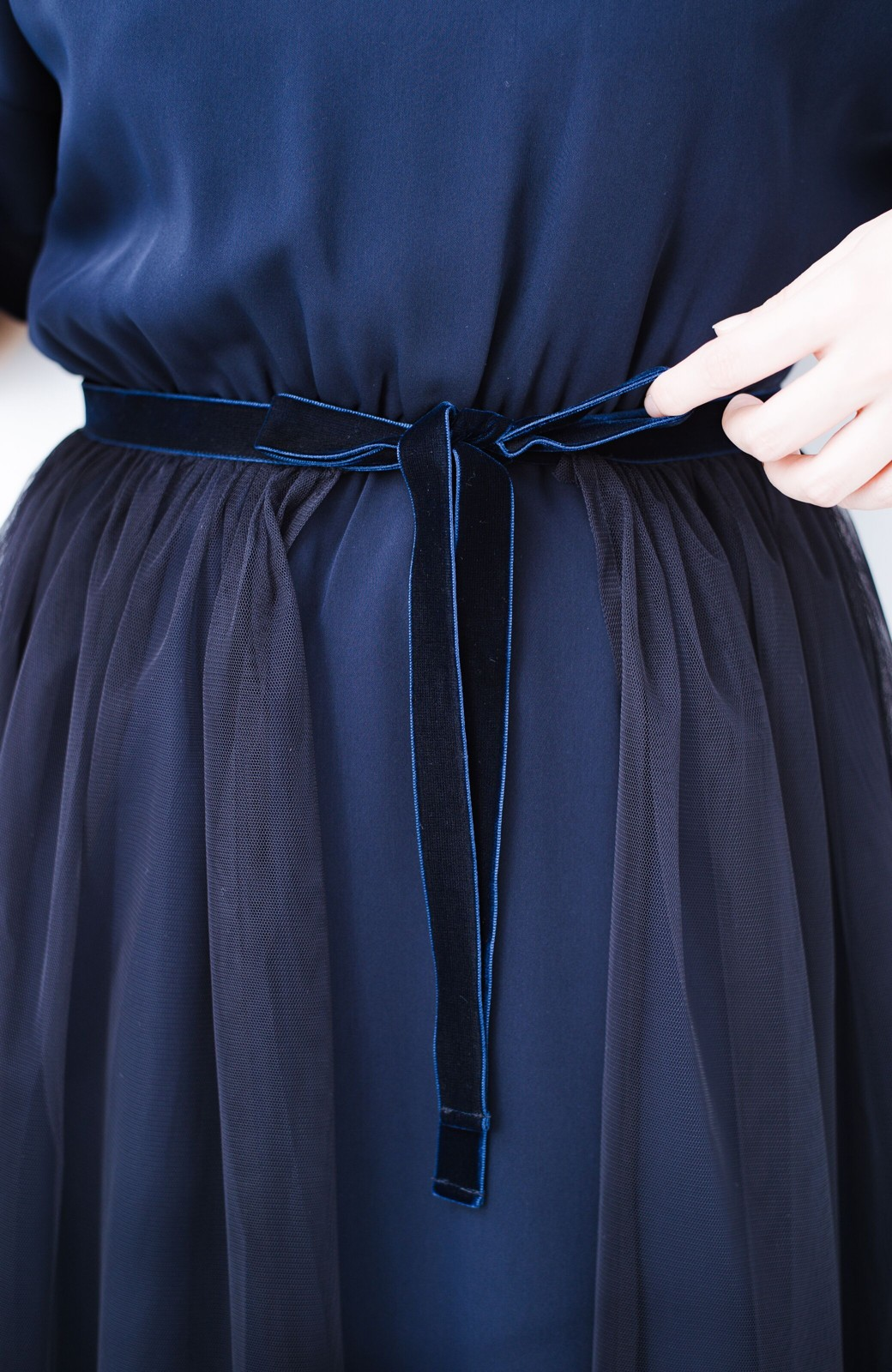 haco! 結婚式や二次会に便利!チュールと重ねて華やか見えが叶うフォーマルワンピースと重ねスカートセット <ネイビー>の商品写真16