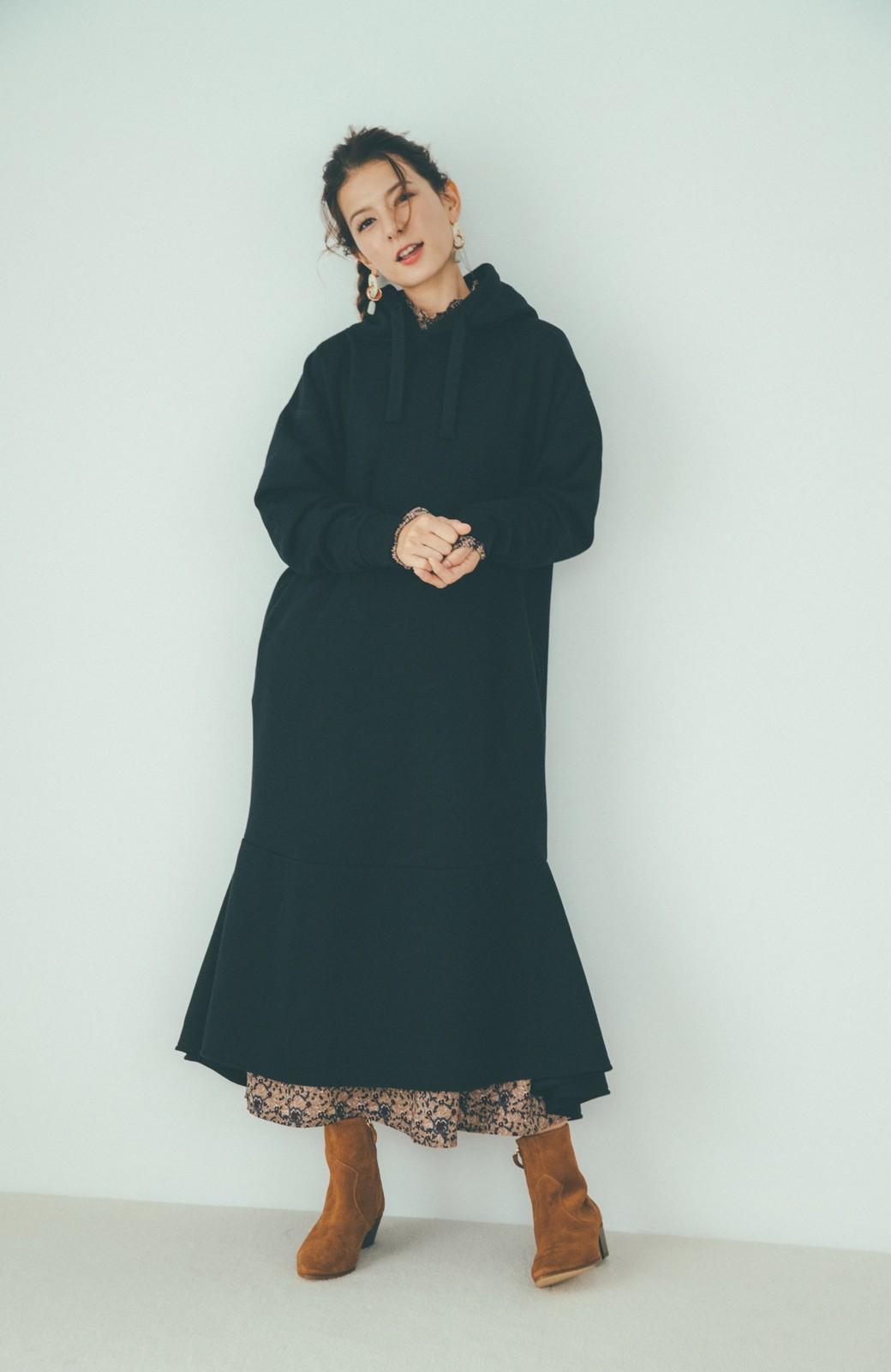 haco! 【スザンヌさんコラボ】ペプラムシルエットのスウェットパーカーワンピース by LOVE&PEACE PROJECT <ブラック>の商品写真14