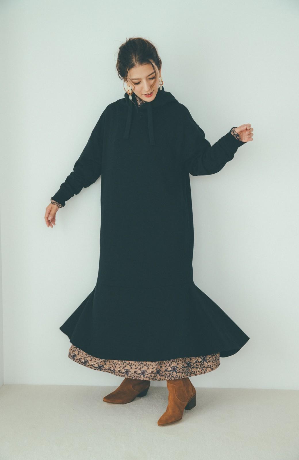 haco! 【スザンヌさんコラボ】ペプラムシルエットのスウェットパーカーワンピース by LOVE&PEACE PROJECT <ブラック>の商品写真16
