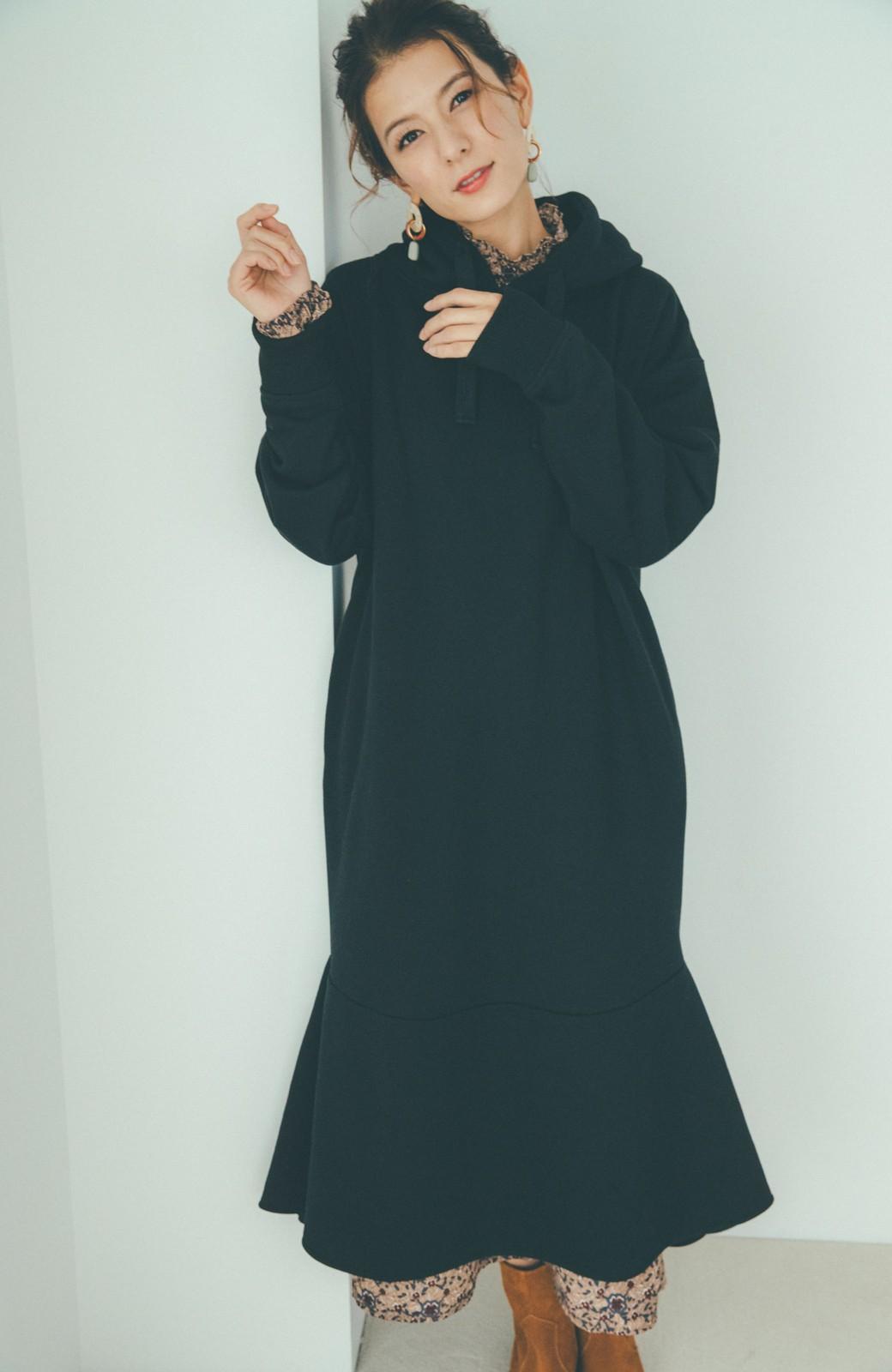 haco! 【スザンヌさんコラボ】ペプラムシルエットのスウェットパーカーワンピース by LOVE&PEACE PROJECT <ブラック>の商品写真3