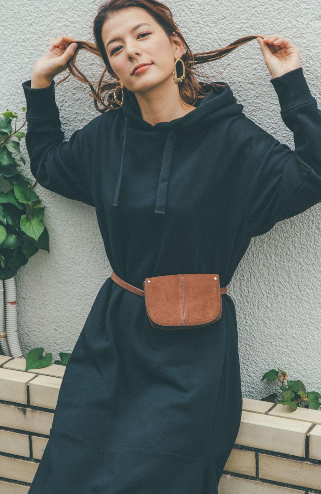 haco! 【スザンヌさんコラボ】ペプラムシルエットのスウェットパーカーワンピース by LOVE&PEACE PROJECT <ブラック>の商品写真9