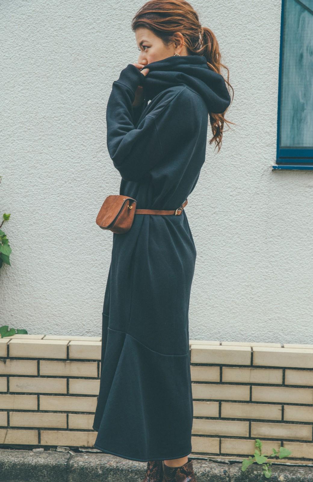 haco! 【スザンヌさんコラボ】ペプラムシルエットのスウェットパーカーワンピース by LOVE&PEACE PROJECT <ブラック>の商品写真11