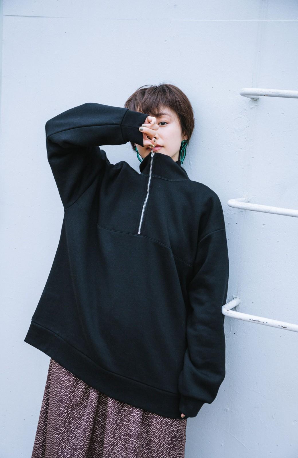 haco! 【高橋愛さんコラボ】スタンドカラーのアノラックスウェットトップス<メンズ> by LOVE&PEACE PROJECT <ブラック>の商品写真2