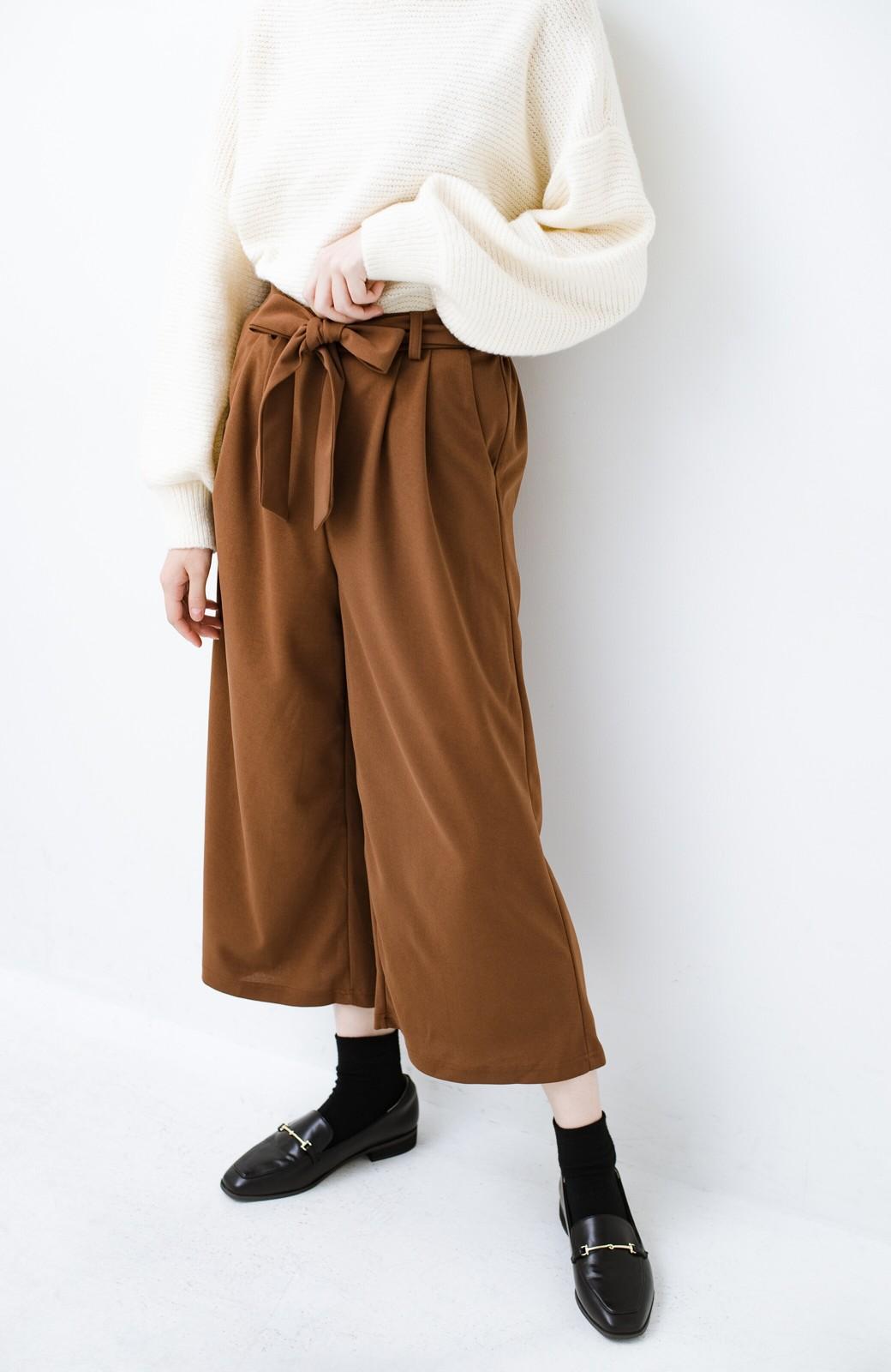 haco! きれいに見えて実は動きやすい!とにかく便利な短め丈パンツ by Nohea <ライトブラウン>の商品写真2
