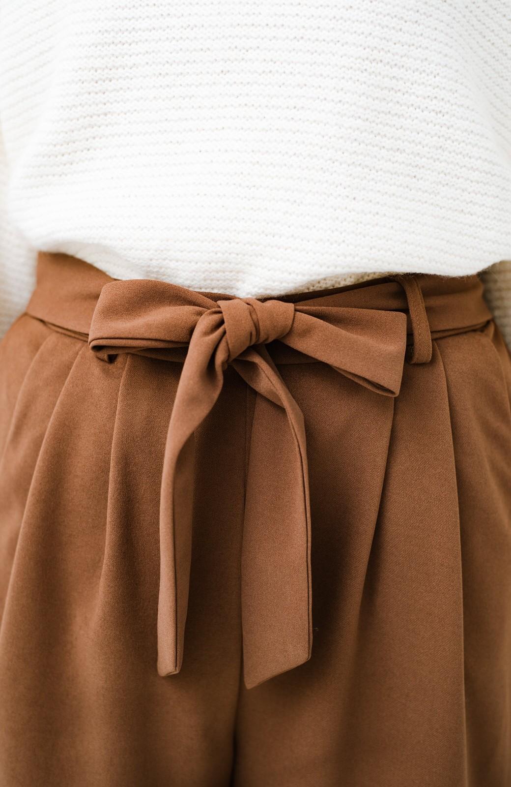 haco! きれいに見えて実は動きやすい!とにかく便利な短め丈パンツ by Nohea <ライトブラウン>の商品写真5