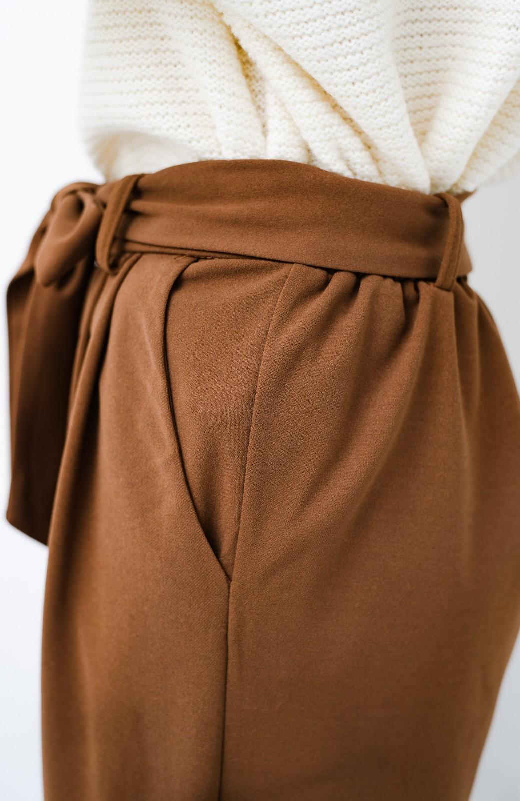 haco! きれいに見えて実は動きやすい!とにかく便利な短め丈パンツ by Nohea <ライトブラウン>の商品写真6