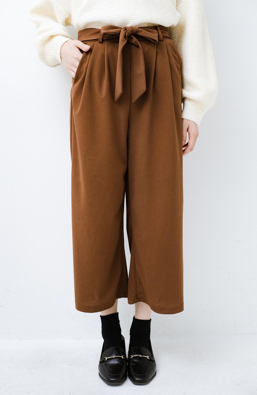 haco! きれいに見えて実は動きやすい!とにかく便利な短め丈パンツ by Nohea <ライトブラウン>の商品写真1