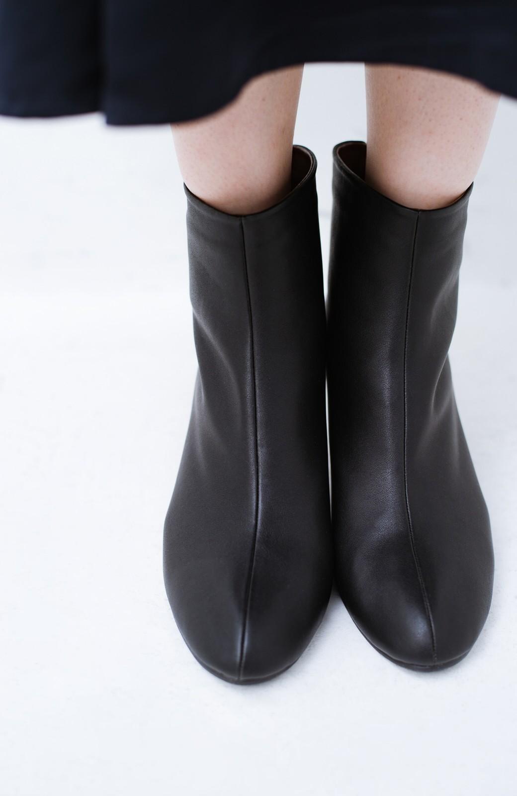 haco! これを履いたらパッと女っぽくなれちゃう便利なショートブーツ <ブラック>の商品写真8