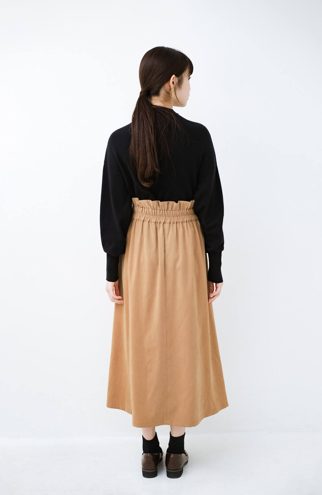 haco! 楽ちんなのにきれい見せが叶う ボタンがポイントの大人スカート <ベージュ>の商品写真13