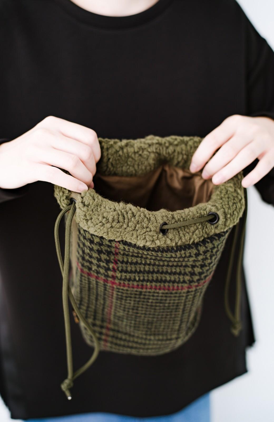 haco! SUBLIME もこもこボア付き千鳥格子のアクセント巾着バッグ <オリーブ>の商品写真4