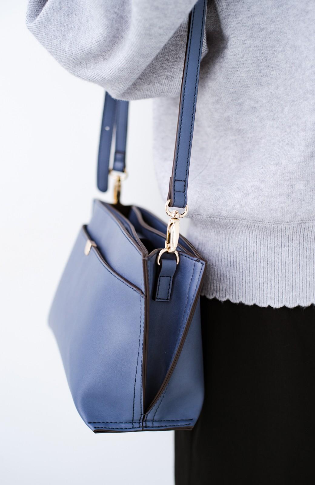 haco! 結婚式や二次会にも普段使いにも 実用的な5ポケット2WAYショルダーバッグ <ブルー>の商品写真4