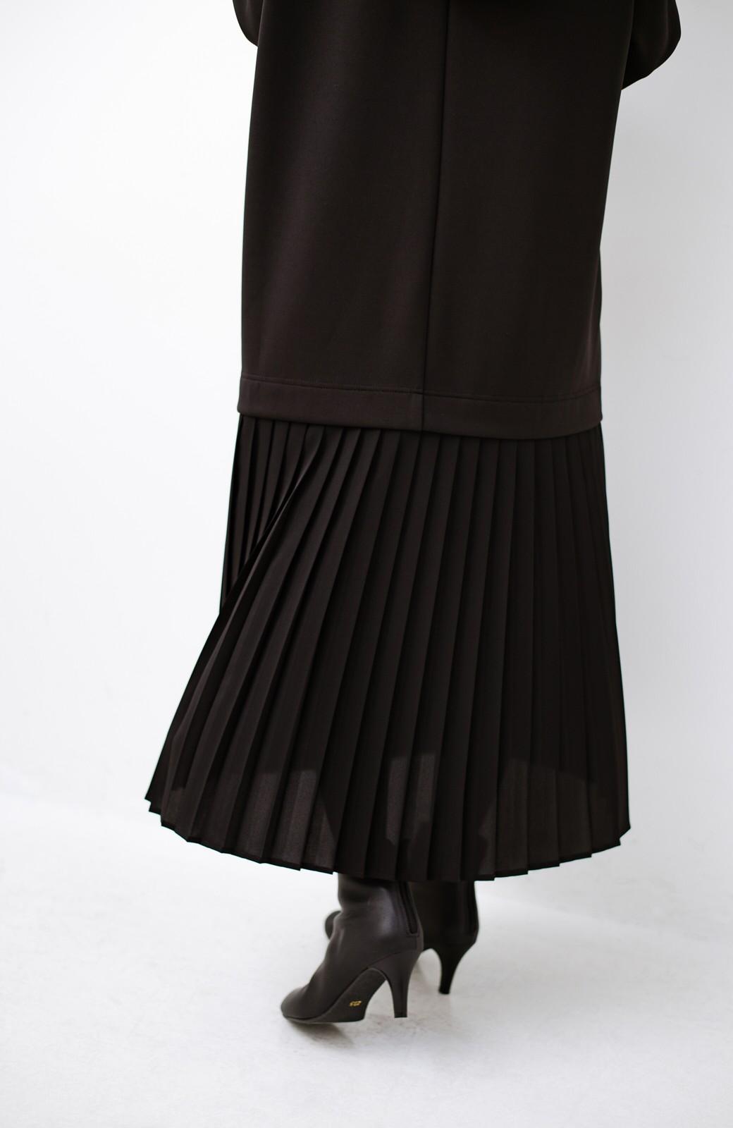 haco! 前はシンプルで着やすい&後ろ姿は最高にかわいい プリーツスウェットワンピース <ブラック>の商品写真6