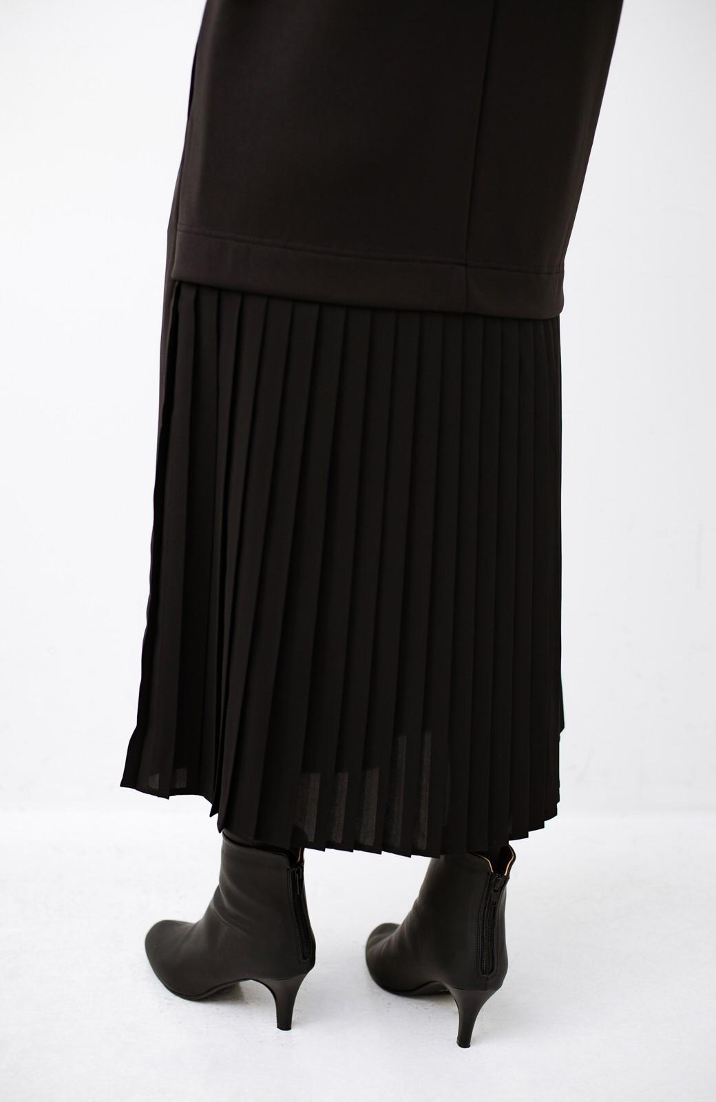 haco! 前はシンプルで着やすい&後ろ姿は最高にかわいい プリーツスウェットワンピース <ブラック>の商品写真7