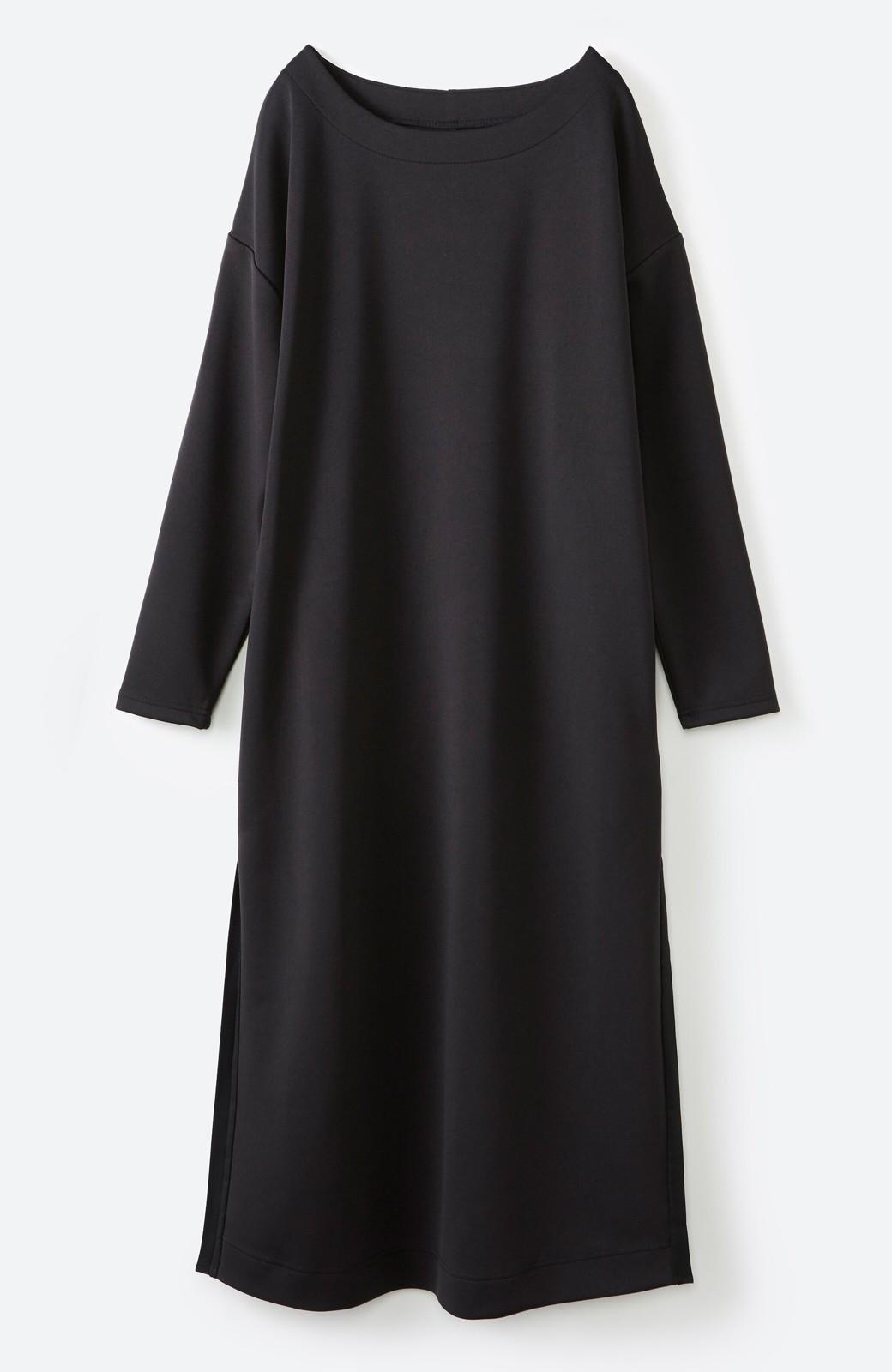 haco! 前はシンプルで着やすい&後ろ姿は最高にかわいい プリーツスウェットワンピース <ブラック>の商品写真16