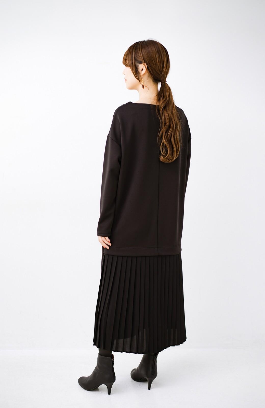 haco! 前はシンプルで着やすい&後ろ姿は最高にかわいい プリーツスウェットワンピース <ブラック>の商品写真12