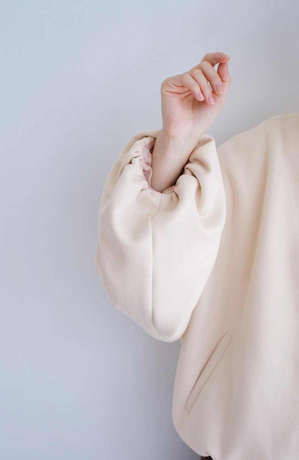 haco! 【二の腕ぷにぷに党】腕まわり大きめトップスにも余裕で羽織れる!ゆるりシルエットのビッグスリーブブルゾン <ベージュ>の商品写真8