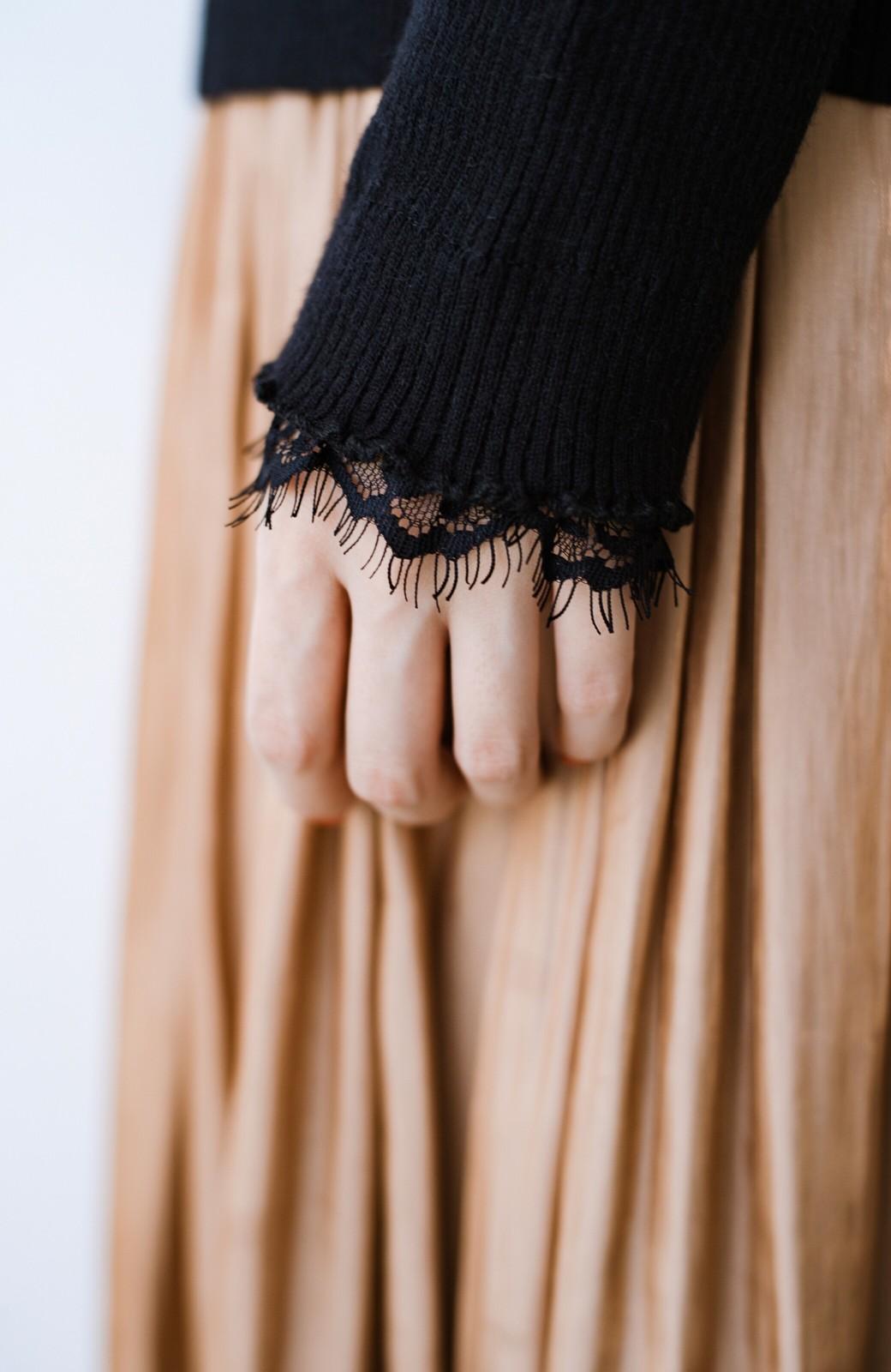 haco! 1枚でも重ね着でも便利!合わせやすくてかわいげを足せる 衿レース付きニットby style zampa <ブラック>の商品写真8