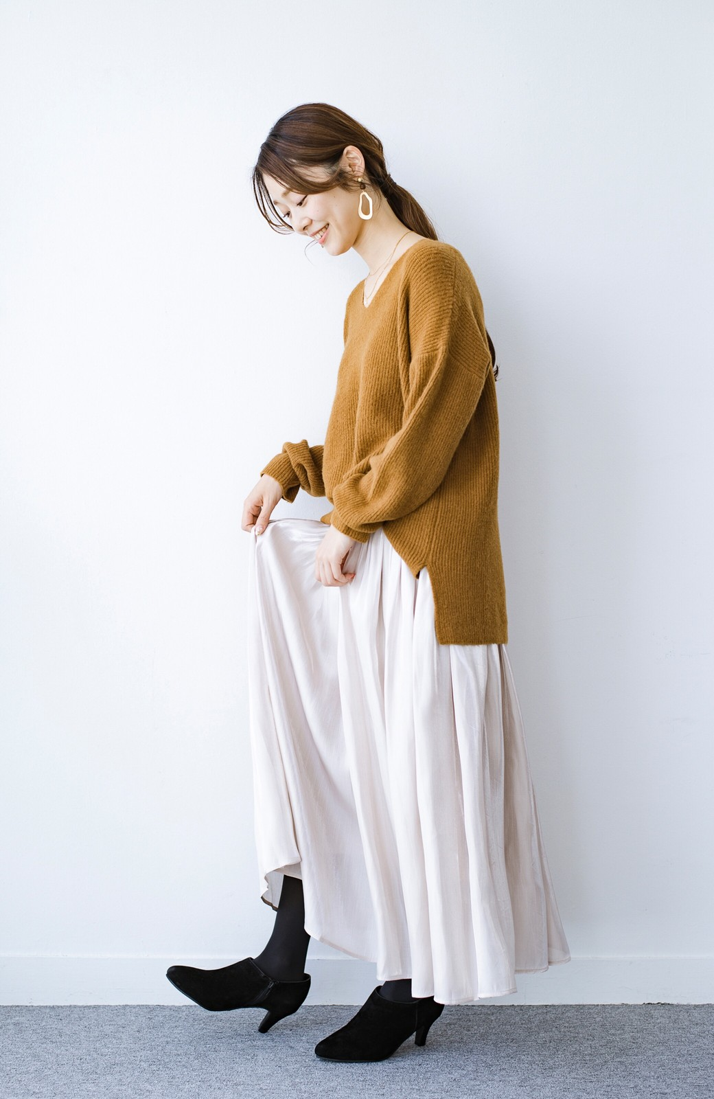 haco! 【人気のため新色追加!】1枚でも重ね着にも便利なキラキラ素材がかわいいロングスカート by laulea <アイボリー>の商品写真15