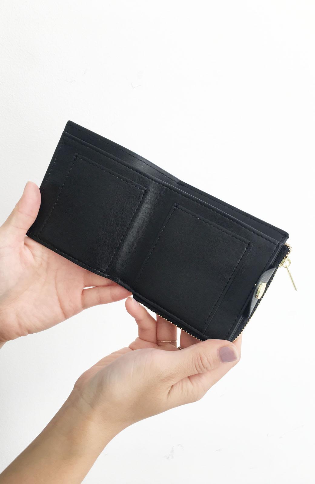 haco! Legato Largo うすいサイフシリーズ 軽量ボンディングフェイクレザー 二つ折り財布 <ブラック>の商品写真4