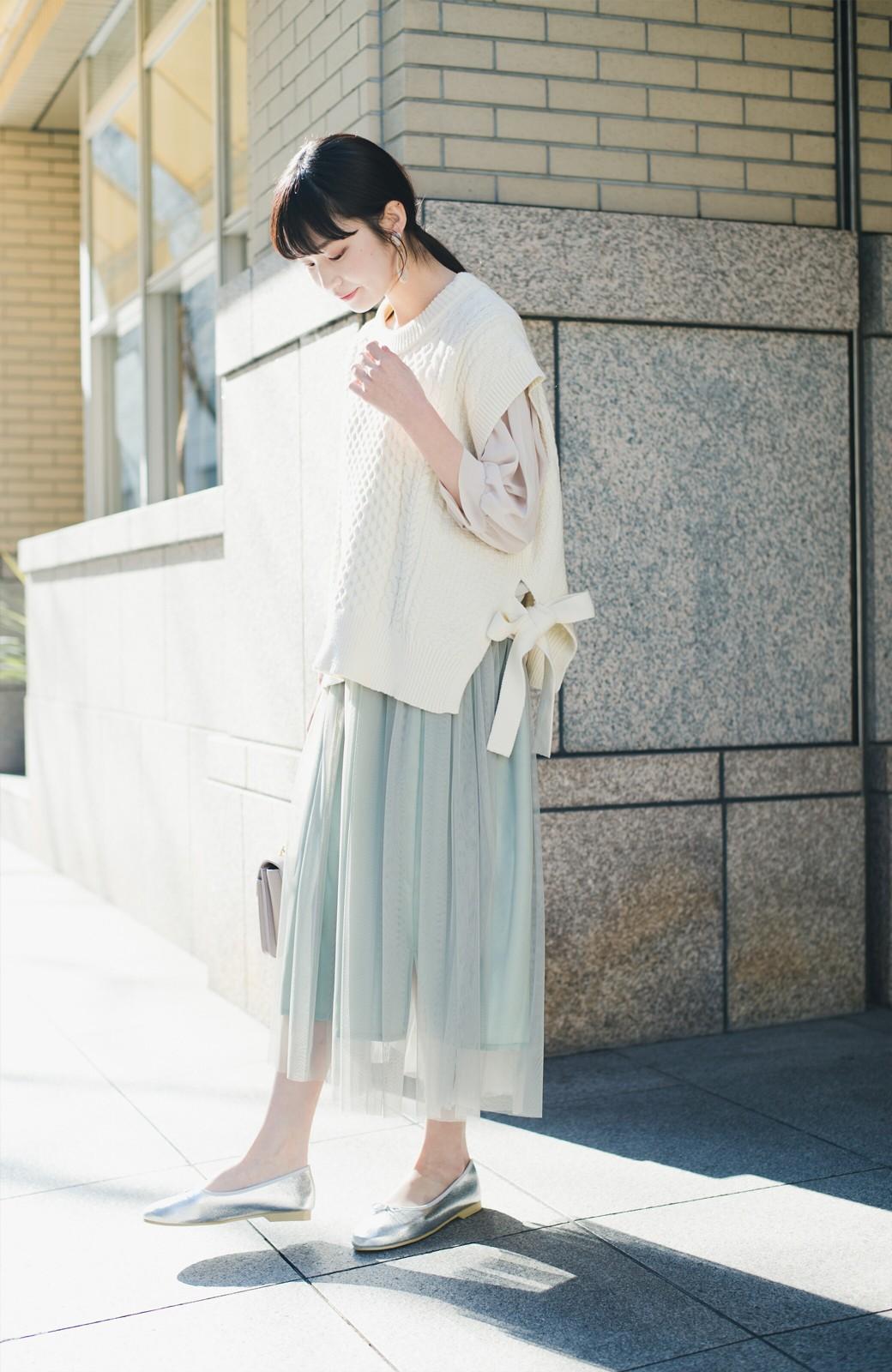 haco! ワンピースやシャツに重ねるだけであっという間に今っぽくなれるケーブル編みニットベスト <アイボリー>の商品写真6