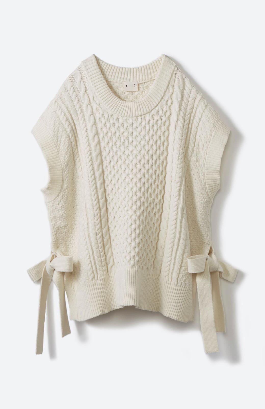 haco! ワンピースやシャツに重ねるだけであっという間に今っぽくなれるケーブル編みニットベスト <アイボリー>の商品写真23