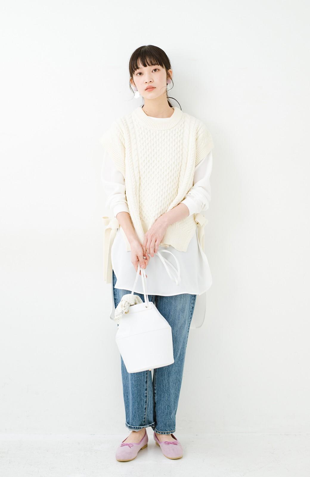 haco! ワンピースやシャツに重ねるだけであっという間に今っぽくなれるケーブル編みニットベスト <アイボリー>の商品写真13