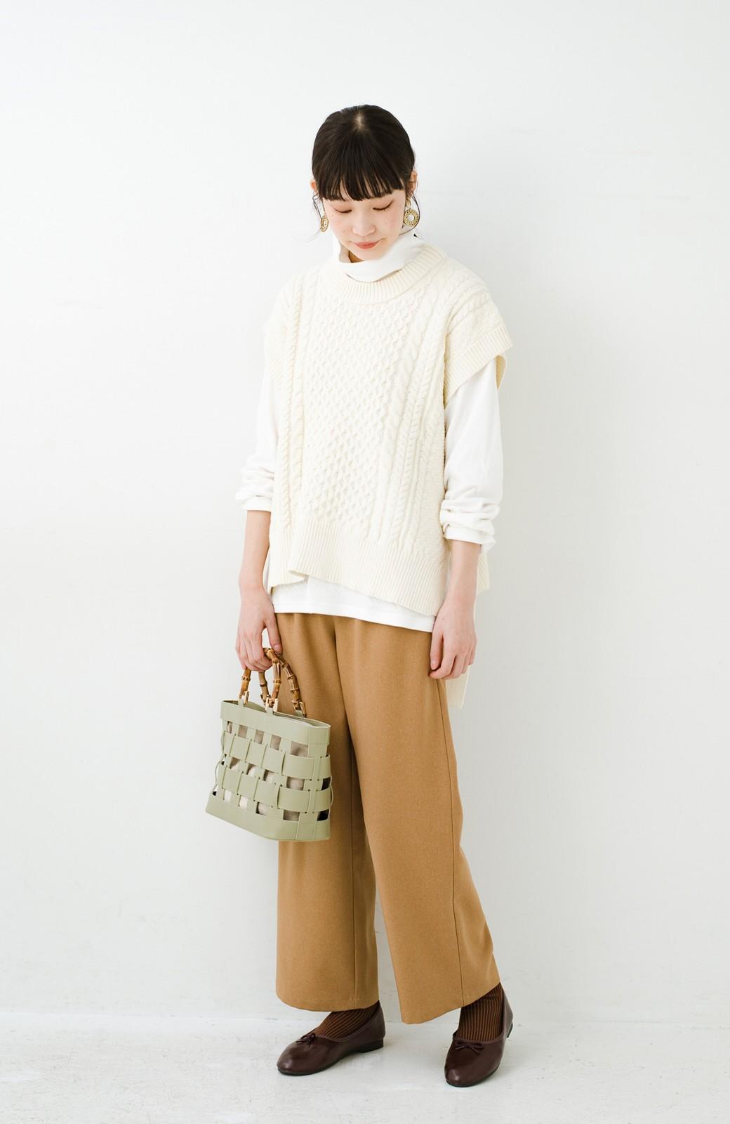 haco! ワンピースやシャツに重ねるだけであっという間に今っぽくなれるケーブル編みニットベスト <アイボリー>の商品写真15