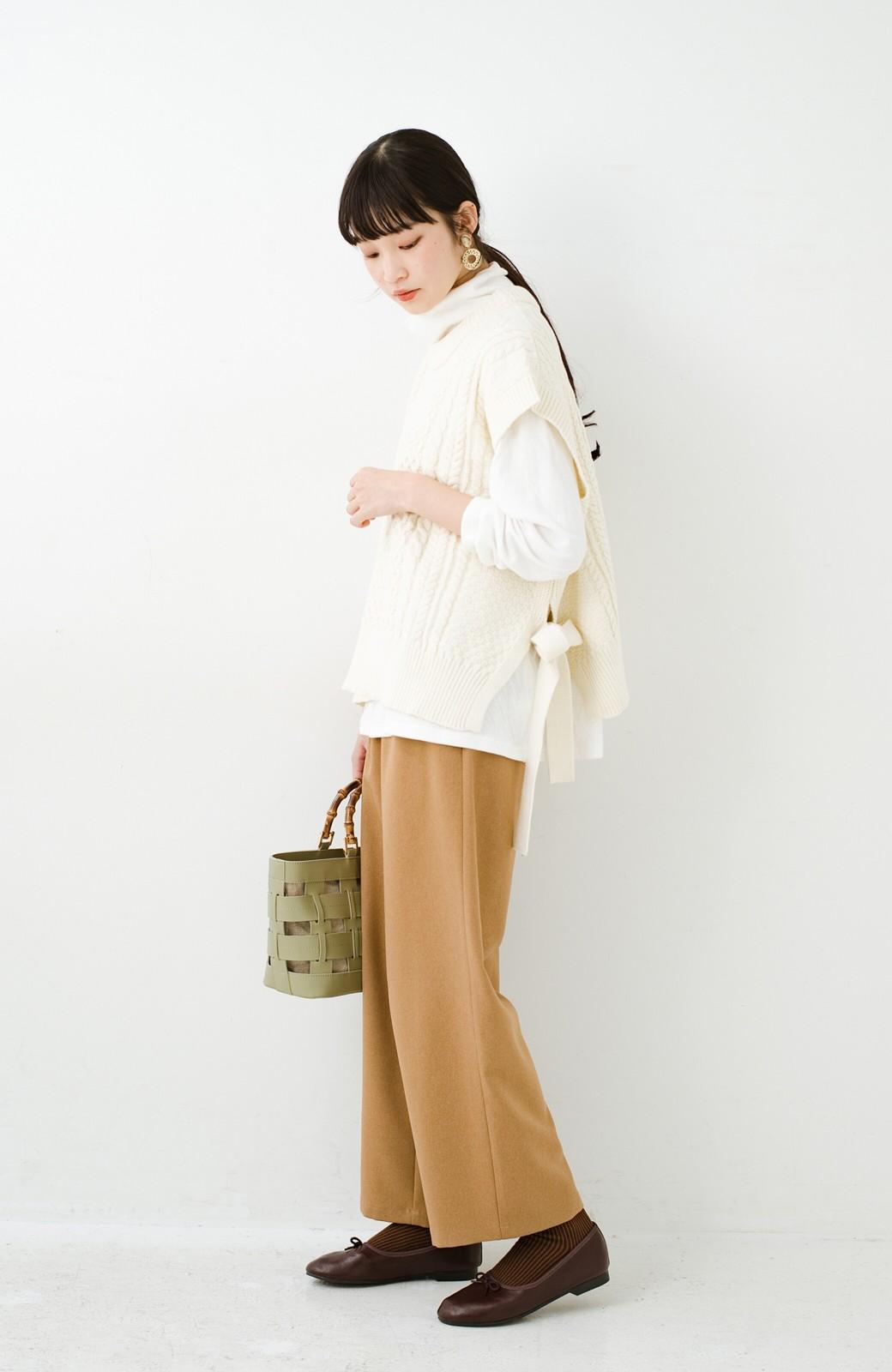 haco! ワンピースやシャツに重ねるだけであっという間に今っぽくなれるケーブル編みニットベスト <アイボリー>の商品写真19