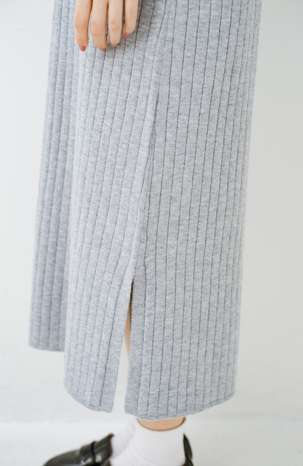 haco! セットで着るだけパッとかわいい ニットトップス&ノースリーブニットワンピースセット <グレー>の商品写真29