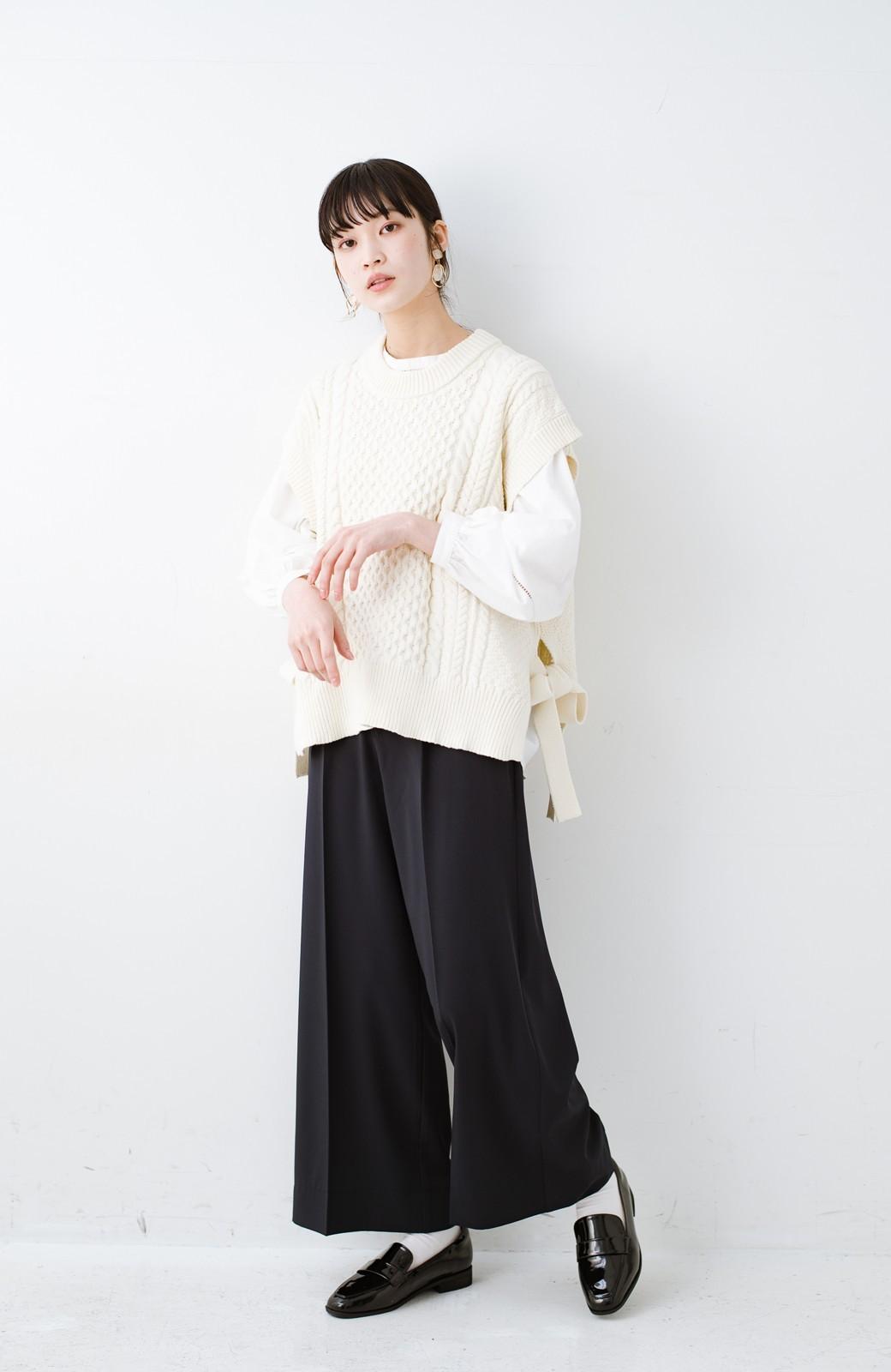 haco! ワンピースやシャツに重ねるだけであっという間に今っぽくなれるケーブル編みニットベスト <アイボリー>の商品写真14