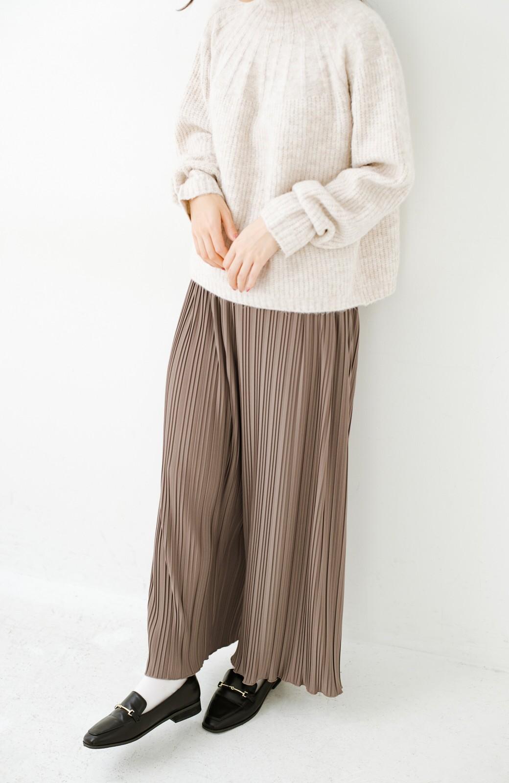 haco! パンツ派さんのデートにもカジュアル派さんの重ね着にも便利なプリーツパンツ  <ブラウン>の商品写真3