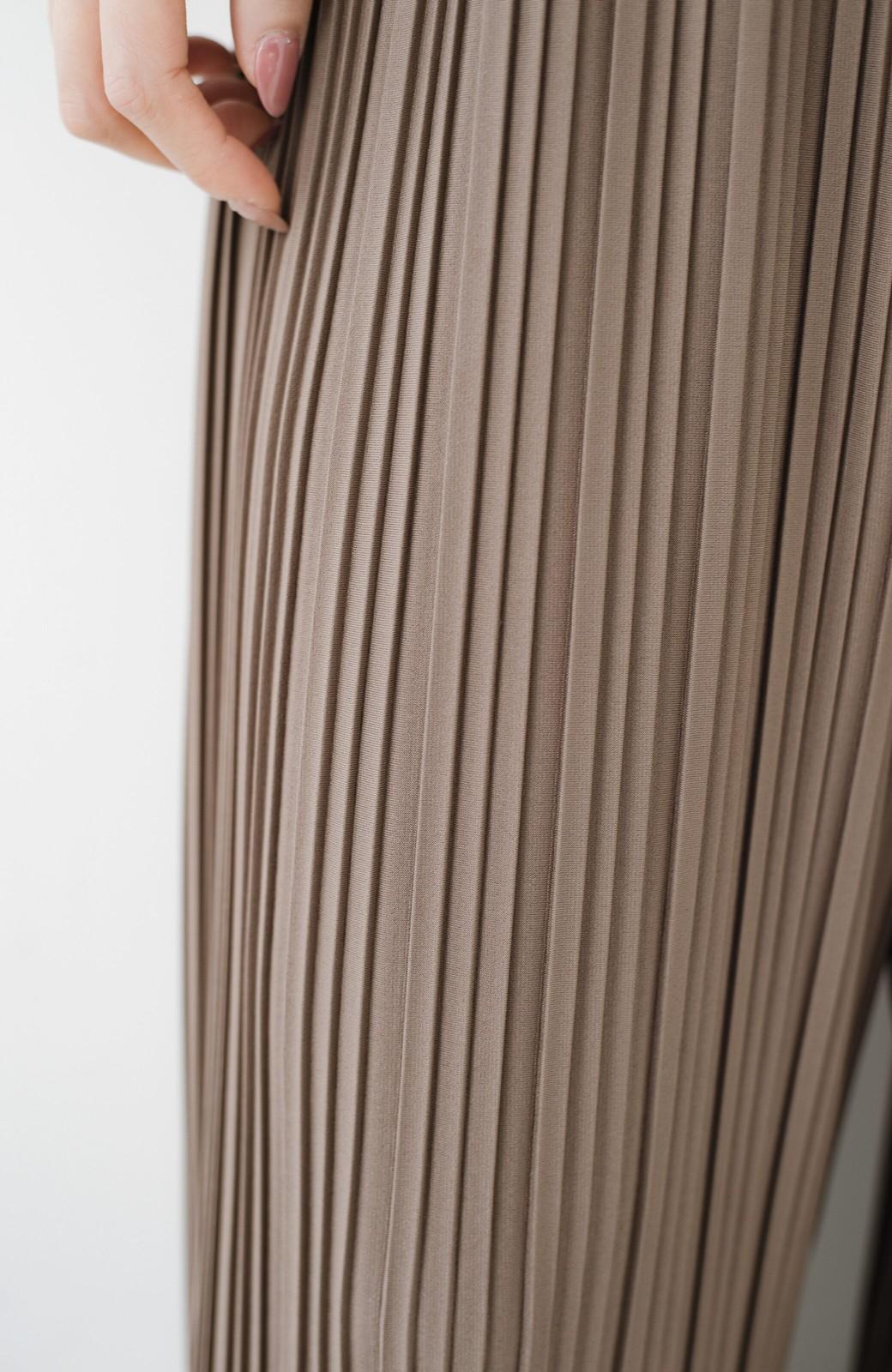 haco! パンツ派さんのデートにもカジュアル派さんの重ね着にも便利なプリーツパンツ  <ブラウン>の商品写真7