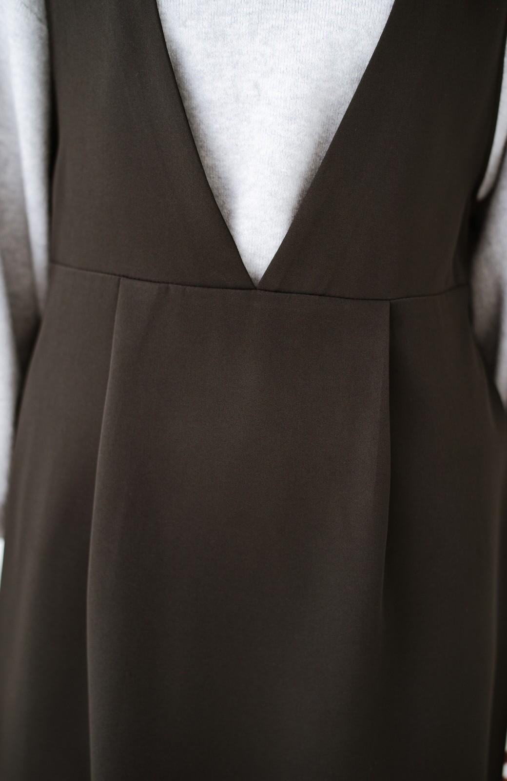 haco! ニットにもTシャツにも似合う ずっと着られてパッと華やぐジャンパースカート <ブラック>の商品写真3