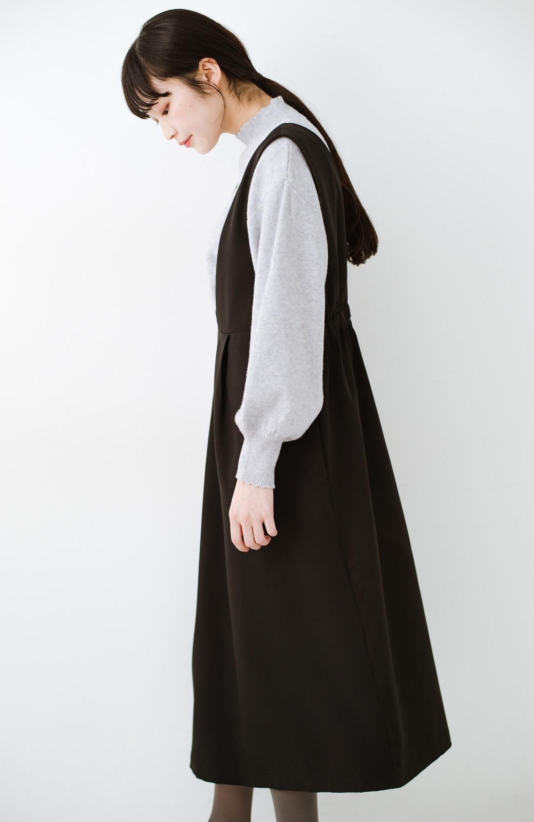 haco! ニットにもTシャツにも似合う ずっと着られてパッと華やぐジャンパースカート <ブラック>の商品写真22