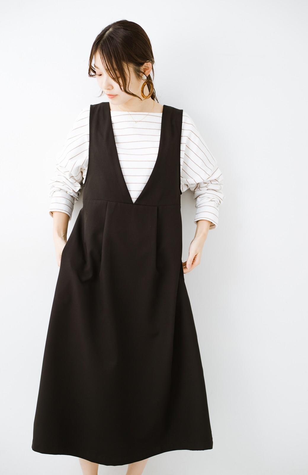 haco! ニットにもTシャツにも似合う ずっと着られてパッと華やぐジャンパースカート <ブラック>の商品写真1