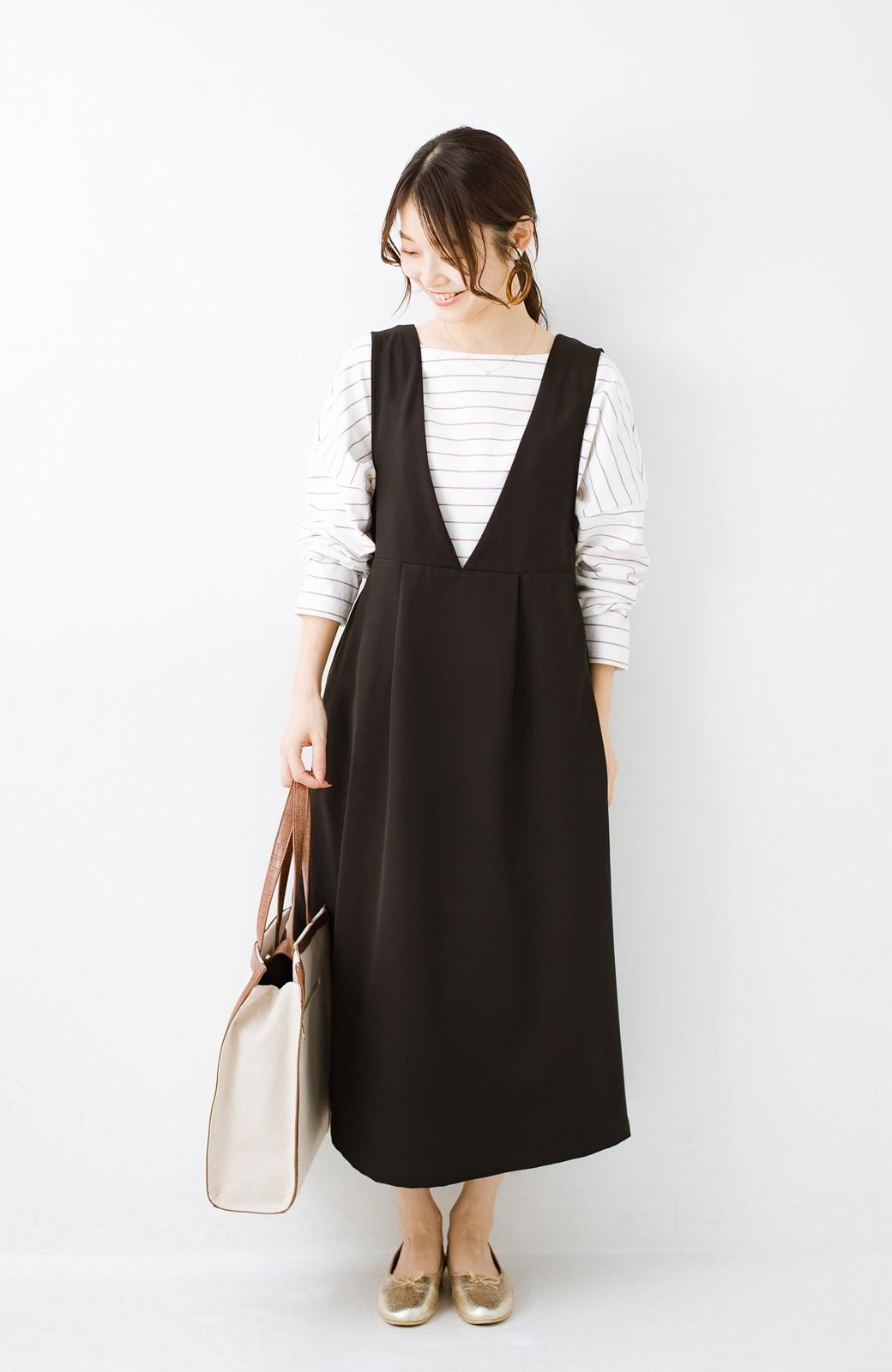 haco! ニットにもTシャツにも似合う ずっと着られてパッと華やぐジャンパースカート <ブラック>の商品写真16