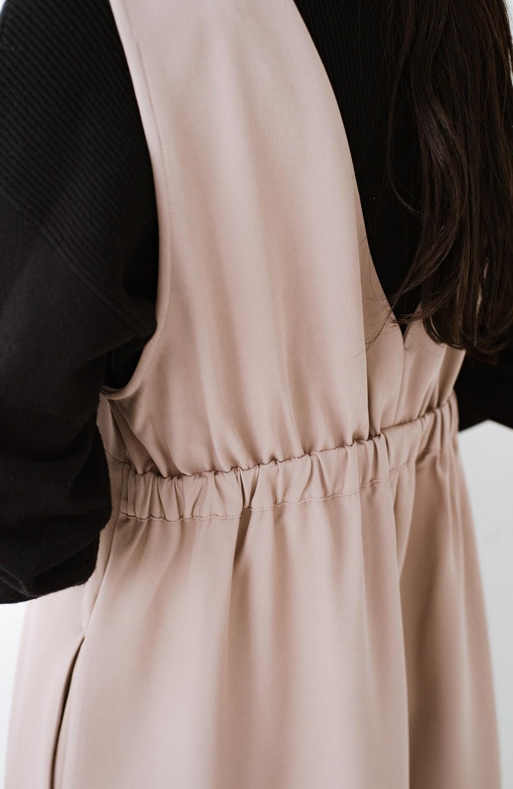 haco! ニットにもTシャツにも似合う ずっと着られてパッと華やぐジャンパースカート <ピンクベージュ>の商品写真6
