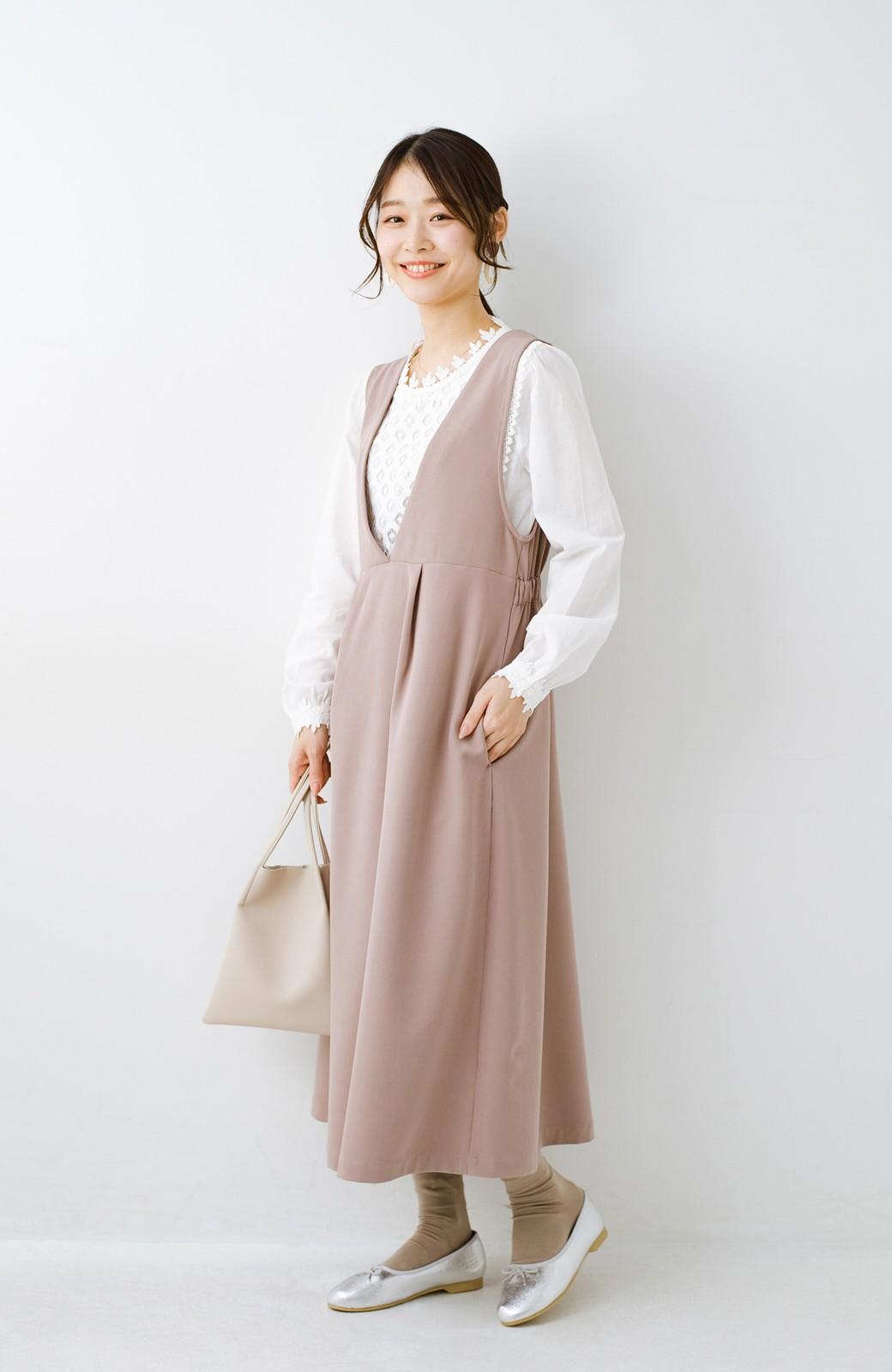 haco! ニットにもTシャツにも似合う ずっと着られてパッと華やぐジャンパースカート <ピンクベージュ>の商品写真13