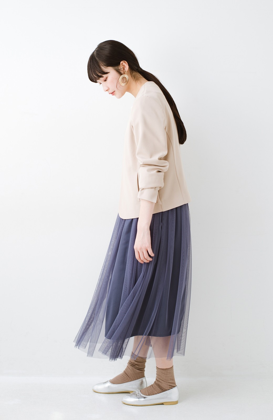haco! 着るだけでルンとした気分になる! 長ーーい季節着られてずっと使えるオトナのためのチュールスカート <ネイビー>の商品写真15