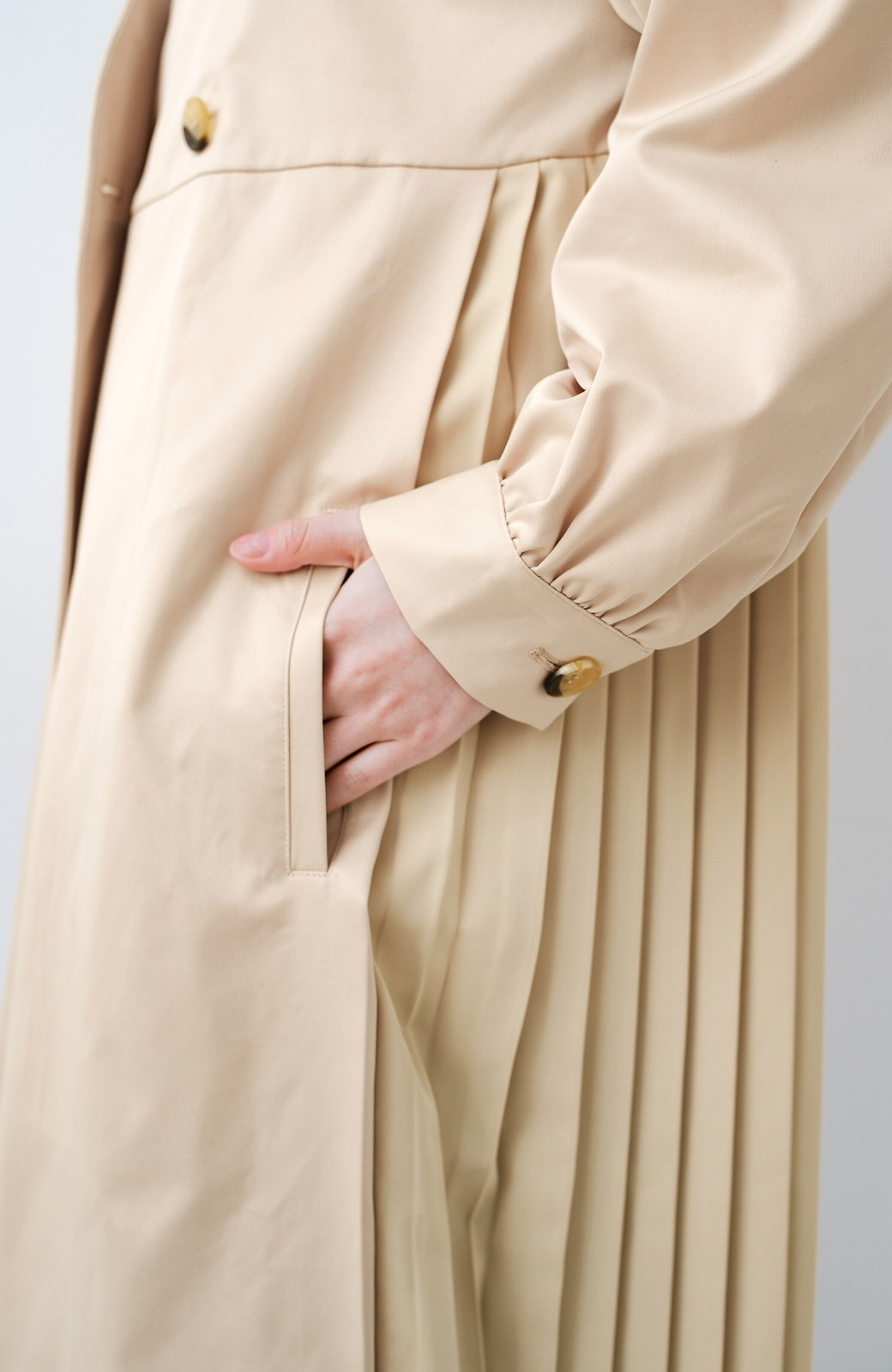 haco! かわいすぎて脱ぎたくなくなる!プリーツ&フリルの華やぎコート <ベージュ>の商品写真12