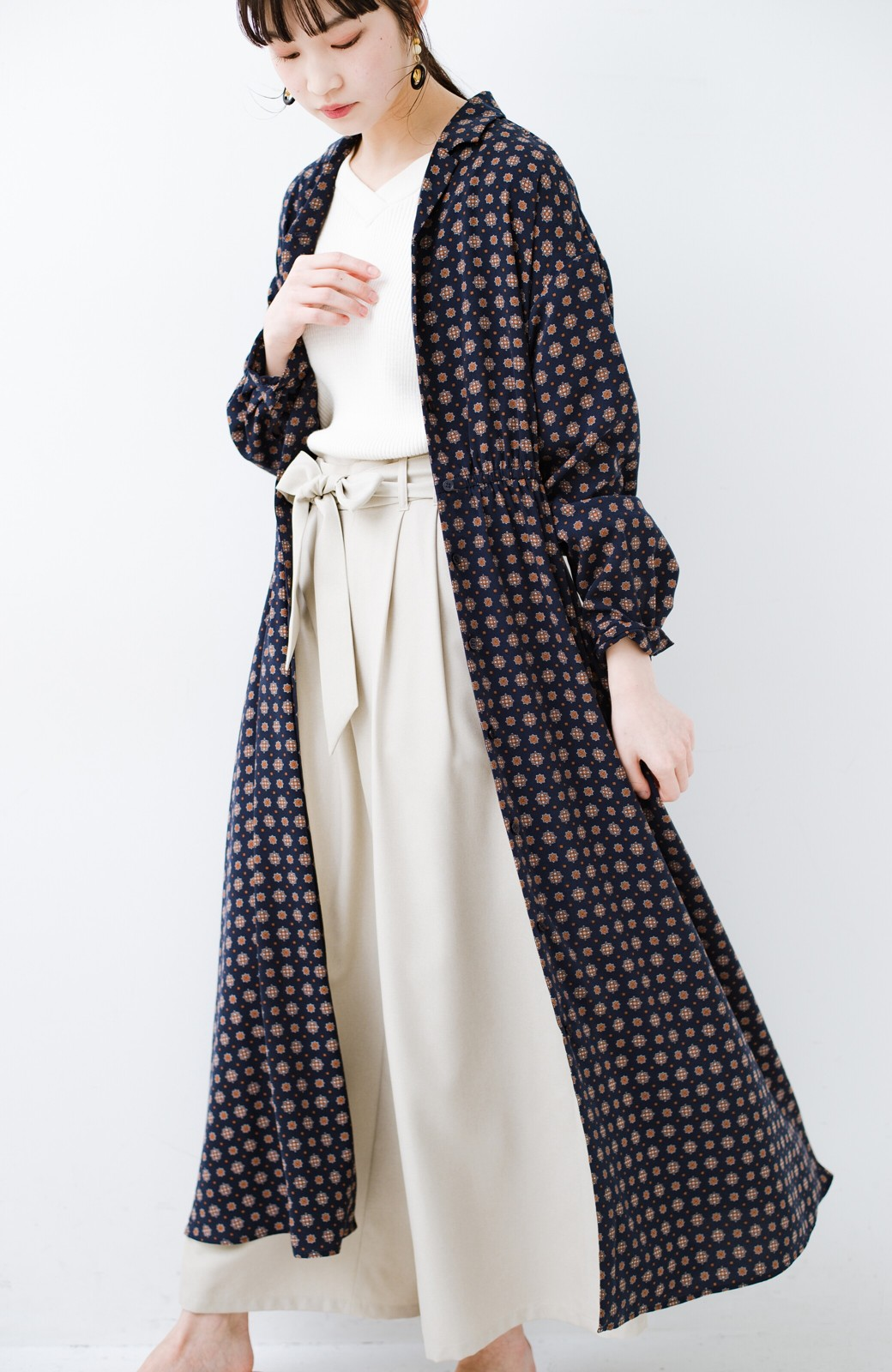 haco! 1枚でも羽織としても着られて便利! 長ーーく使えて着映えする柄ワンピース <ネイビー>の商品写真6