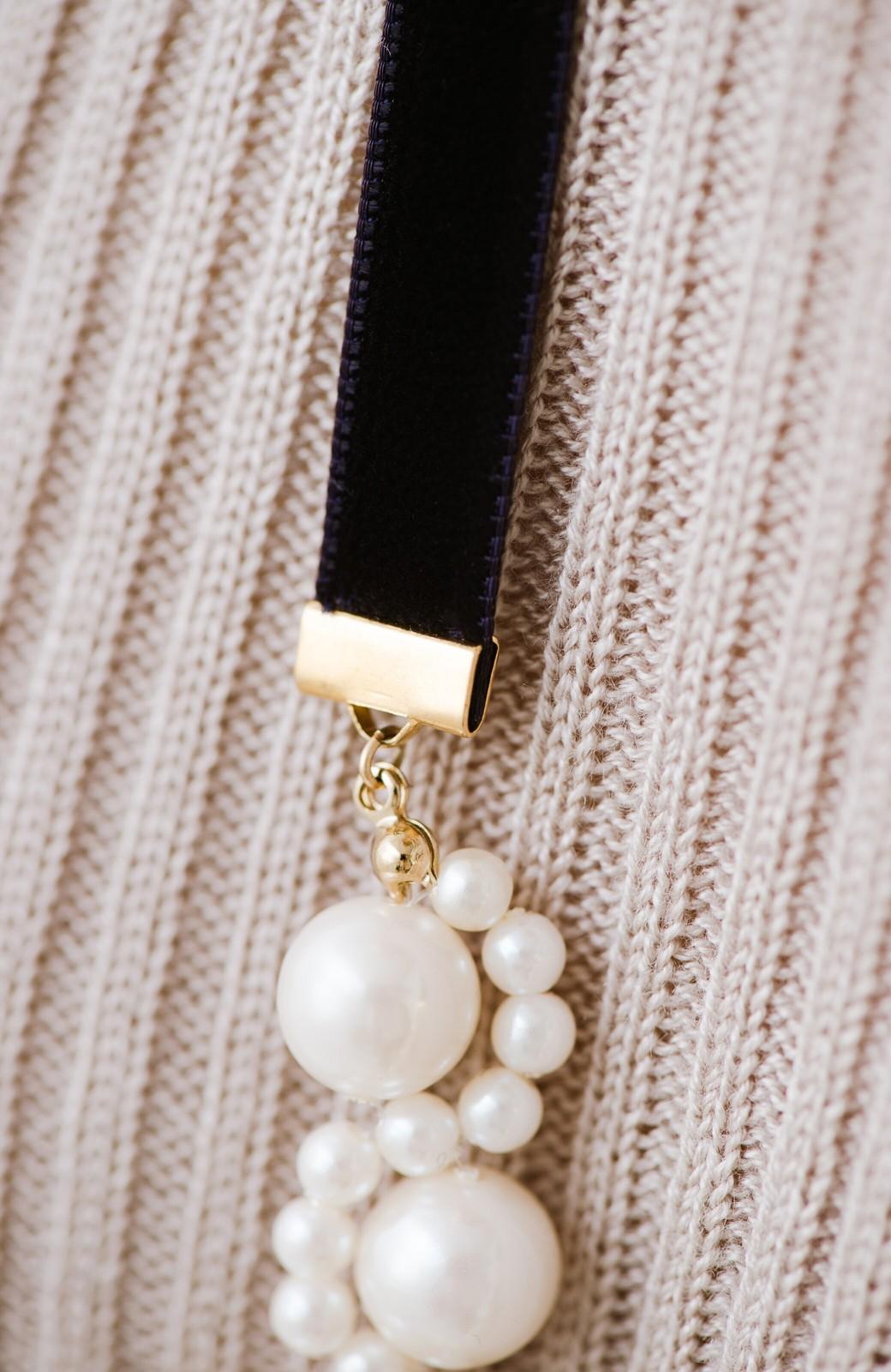 haco! ぱっとつけてぐっと華やぐ 結婚式にも便利なプラパールの編み込みネックレス <ネイビー>の商品写真13