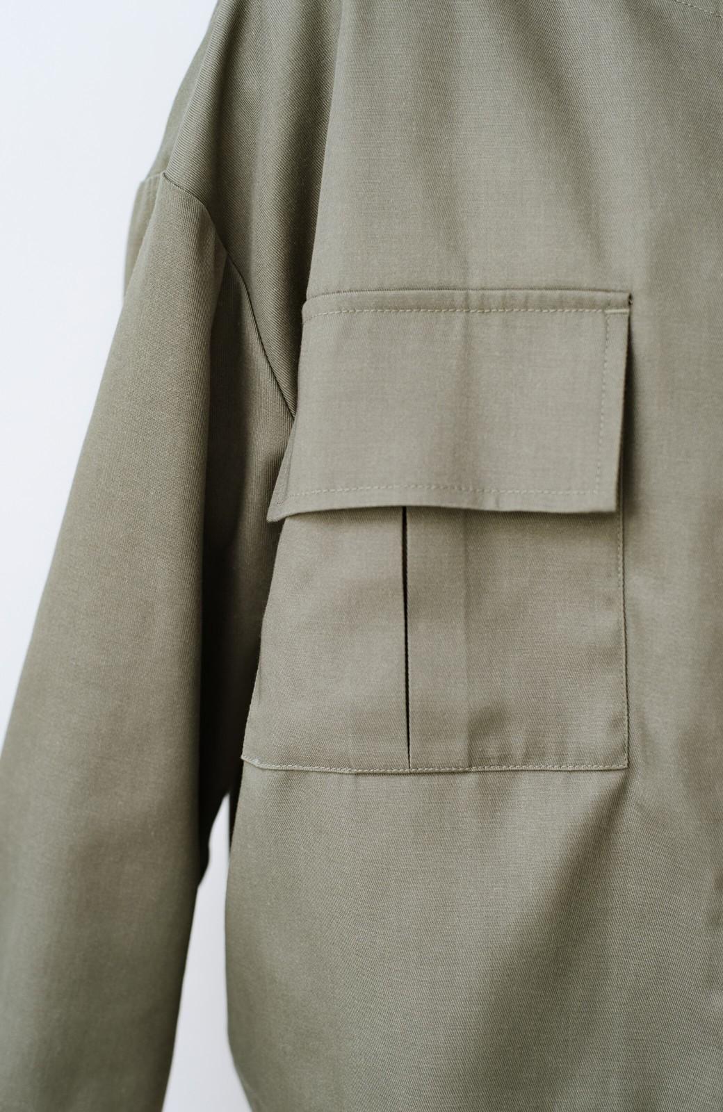 haco! 気温調節にちょうどいい!季節の変わり目に気軽に羽織れる きれいめミリタリージャケット <カーキ>の商品写真7