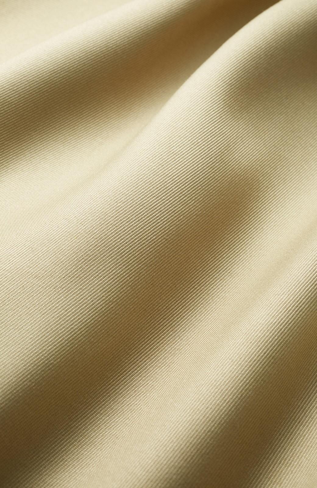 haco! とろみ素材とウエストリボンで女っぽ コートよりも気軽に羽織れるトレンチジャケット <ベージュ>の商品写真4