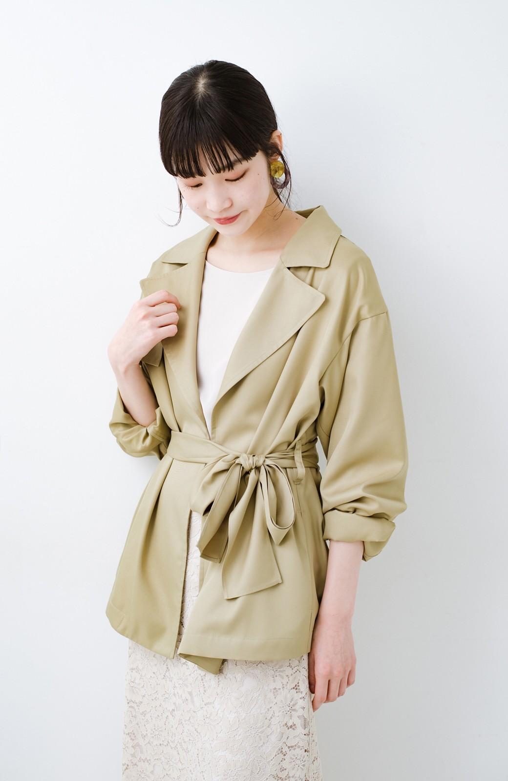 haco! とろみ素材とウエストリボンで女っぽ コートよりも気軽に羽織れるトレンチジャケット <ベージュ>の商品写真3
