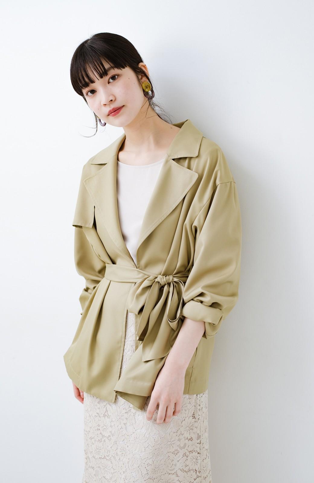 haco! とろみ素材とウエストリボンで女っぽ コートよりも気軽に羽織れるトレンチジャケット <ベージュ>の商品写真5